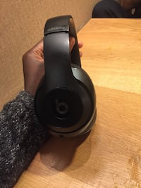 Wireless beats headphones 29 mi