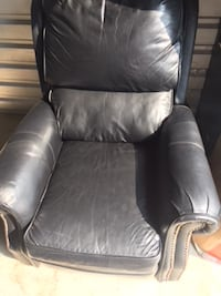 Black Leather/Vinyl Recliner