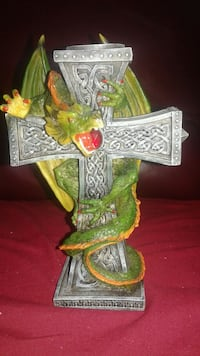 Candle stick holder dragon/cross London, N6G 3S2