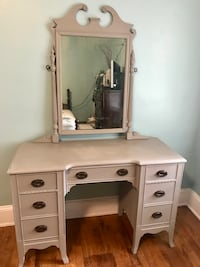 Antique Vanity Greenville, 27858