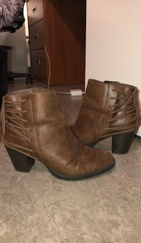 Leather Ankle Boots // Women's Size 9 Toronto, M9W 6V3