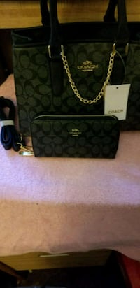 Coach purse and wallet Chicago, 60621