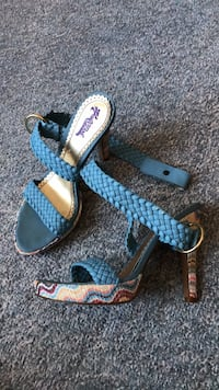 Sandals great condition  3152 km