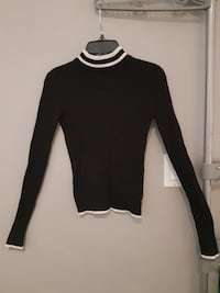 Aeropostale black and white turtle neck shirt London