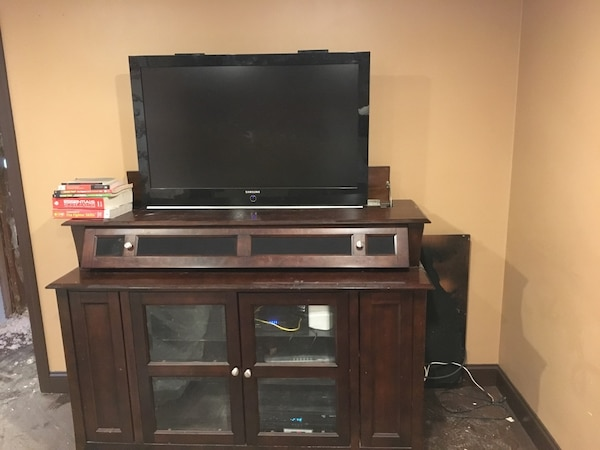 Used Living Stand With Retractable Tv Stand For Sale In Norwalk Letgo