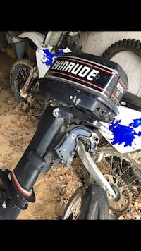 25hp evinrude outboard motor. Don't know much about it but it is a 90's model. Got it in a trade & just had it serviced. Price is or best reasonable offer. Must come pick up  Powhatan, 23139