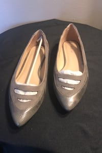 Taupe color Shoes in size 8 Salinas, 93906