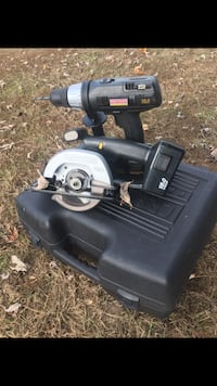 Craftsman professional 18v battery skill saw and battery drill/drive with 2 battery's and case. no charger Prince Frederick