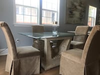 Dining Set with 4 chairs New Orleans, 70124