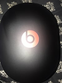 Black and red wireless headphones Medway, 45341
