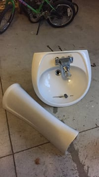 white ceramic pedestal sink with stainless steel faucet Vaughan, L0J 4A1