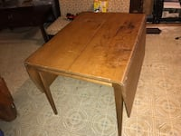 """Brown Dining Kitchen Table Solid Wood 62""""x40 w/ Leaf 30""""x40"""" Without— 30"""" Height Silver Spring, 20906"""