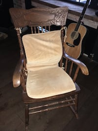 Wood Antique Rocking Chair Toronto, M4L 3P1