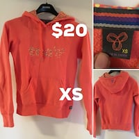 Size xs orange tray printed pullover hoodie