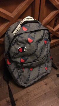 Grey Champion Backpack - 9.5/10 condition Markham, L3R 5X2
