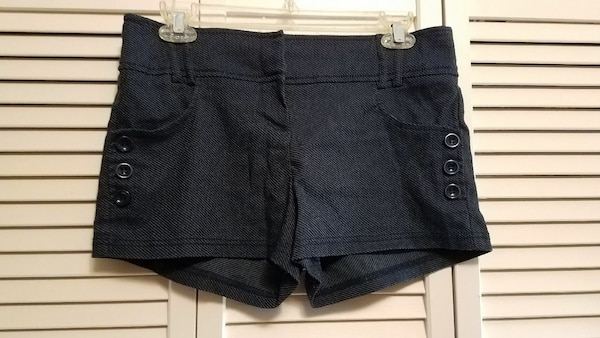 Ladies shorts size L
