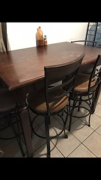 Dining table with 4high chairs