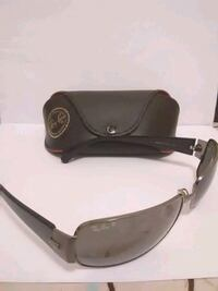 black framed Ray-Ban wayfarer sunglasses Toronto, M6L 2E1