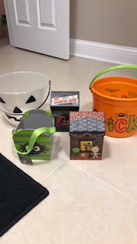 Halloween buckets and gift boxes Lindenhurst, 60046