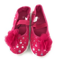 Girls pink sneakers new and size 10 Uwchlan, 19341