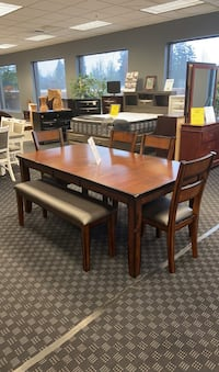Table Bench & 4 Chairs