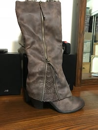 pair of brown leather knee-high boots Gatineau, J8Y 6X8