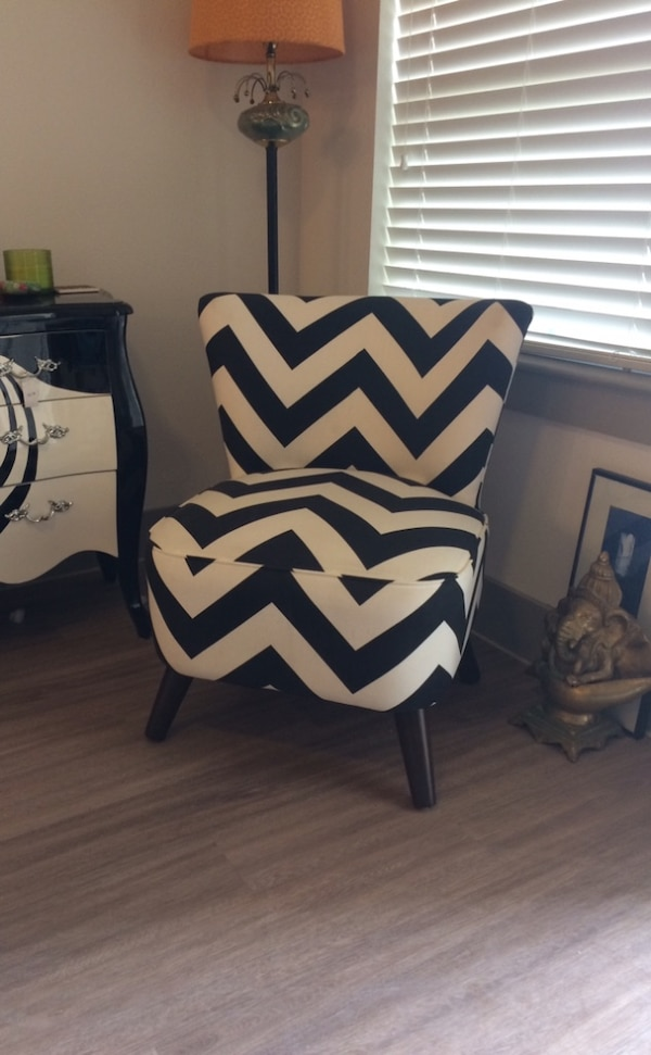 Astounding Black And White Chevron Accent Chair Theyellowbook Wood Chair Design Ideas Theyellowbookinfo