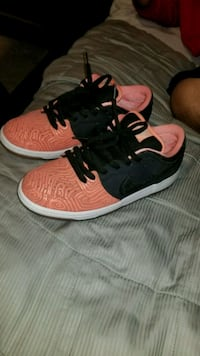pair of red-and-black Nike basketball shoes North Port, 34288
