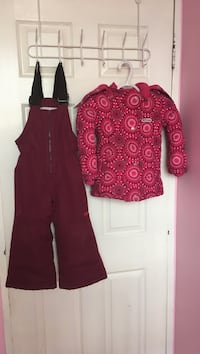 Snow suit for 4 years old in a good condition  Toronto, M3C 0C4