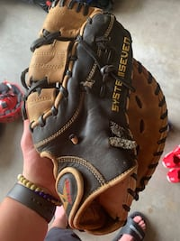 1st base glove  Chesterfield, 23832