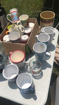 Coffee mugs $1 each Somerset, 02777