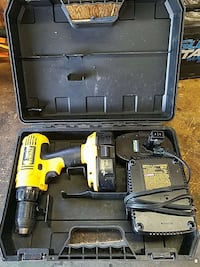 18v Dewalt drill with 2 batteries and charger Petaluma, 94954