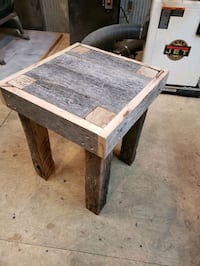 Rustic end table Pikesville, 21208