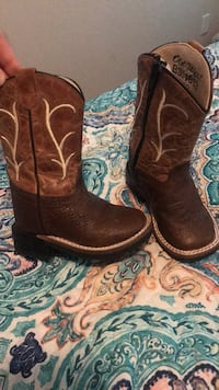 Pair of brown leather cowboy boots Odessa, 79763