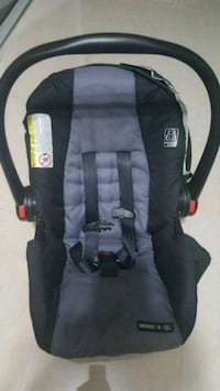 Graco baby's black and gray car seat with carrier Mississauga, L5B