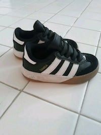 Adidas samba size 6.5 District Heights, 20747