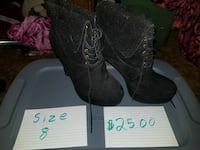 pair of size 8black suede platform laced boots Mankato, 56001