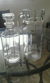 two clear glass candle holders Edmonton, T5H 1M7