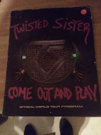 Twisted sister tour book