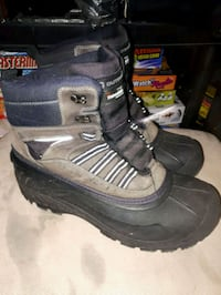 Outbound size 9 boots Kingston, K7L