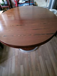 solid wood table Mississauga, L5B 3Y1