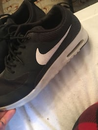 Men's black-and-white nike mesh running shoes Montréal, H1R 3P8