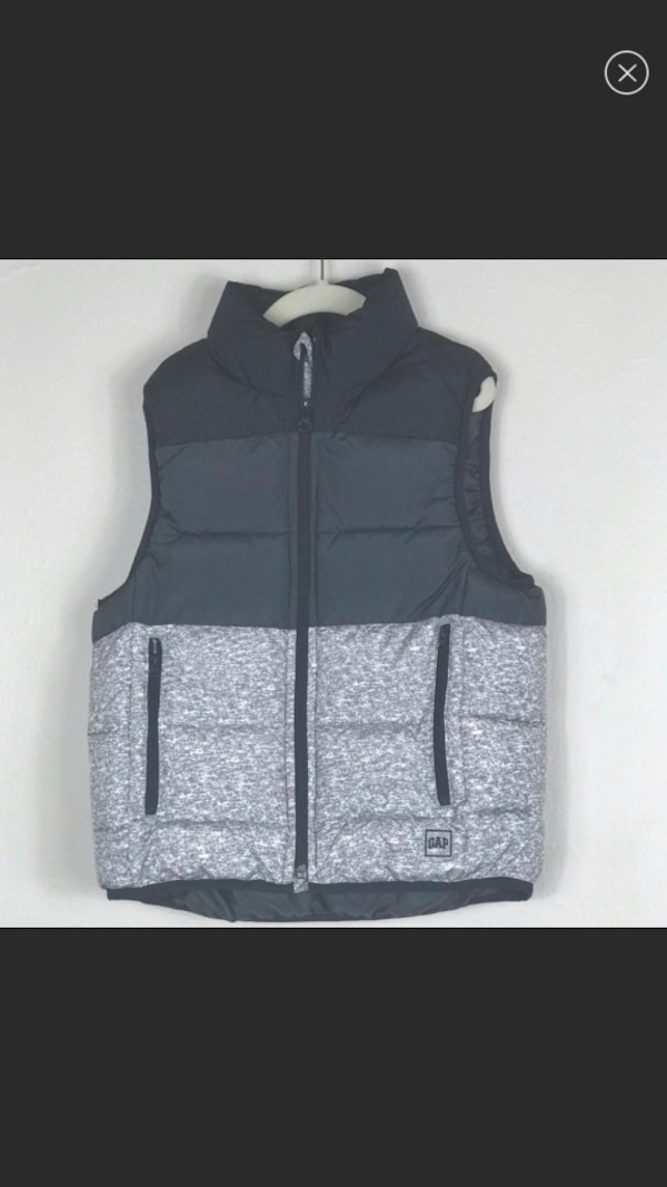 ff786d56f8329 Used Gap Block Colored Puffer Vest Boy Size S for sale in New York - letgo
