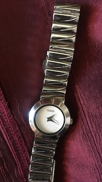 silver-colored analog watch with link bracelet Las Vegas, 89104