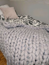 Thick knit throw/blanket NEW Toronto, M6G