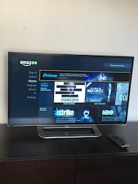 Black Vizio 1080p 32in Smart tv with remote control Los Angeles, 91601