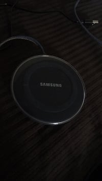 Samsung wireless charger  Suitland, 20746