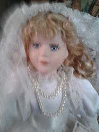 """NOW $37***VANESSA Collection PORCELAIN Bride Doll, 18"""" Tall With DISPLAY STAND Hamilton"""
