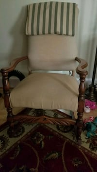 Old rocking chair Martinsburg, 25401