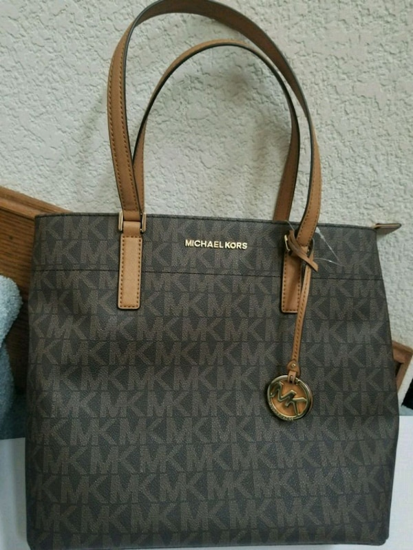 c147900b63a3 Used Brand New Michael Kors Purse for sale in Morgan Hill - letgo